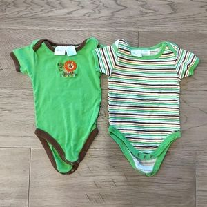 Pair of Onesies size 6-9 Months